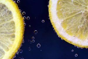 I limoni congelati conservano le proprietà nutritive